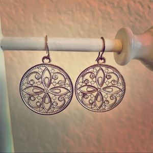Stunning silver sparkly glam earrings by Express